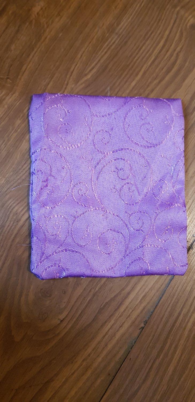 Papion brocart lila
