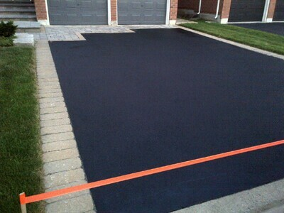 1 Car Drive with Concrete Curbing
