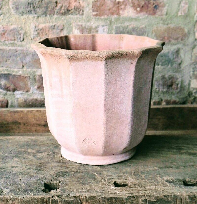 Vaso a smerli - Vase mit Wellenschliff
