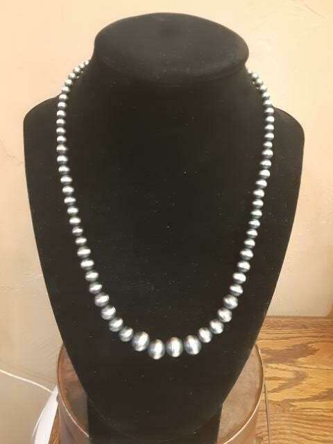 "18"" Navajo Pearl"