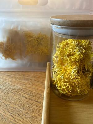 Royal Chrysanten bloemen thee