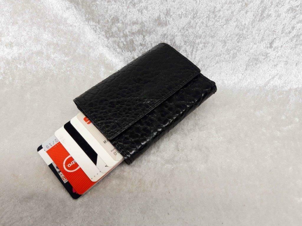 Kleine Kartenbörse mit abgeschirmter Kartenbox