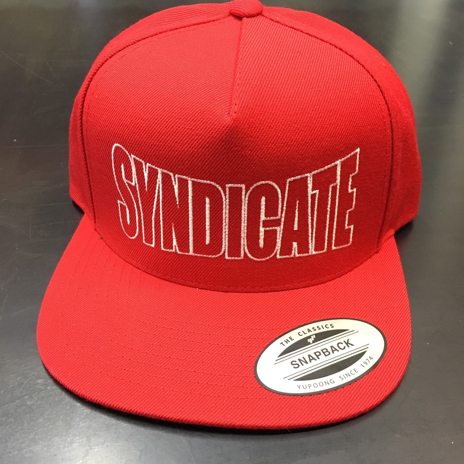 RED SYNDICATE SNAPBACK
