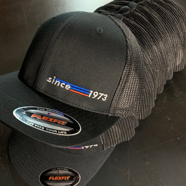 BLACK MESH FLEXFIT SINCE 1973 SYNDICATE HAT