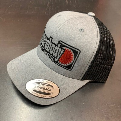 CURVED GRAY HEATHER AND BLACK WITH RED STAR SNAPBACK RETRO TRUCKER MESH SBS LOGO #4 HAT
