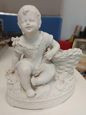 Statuette enfant en biscuit