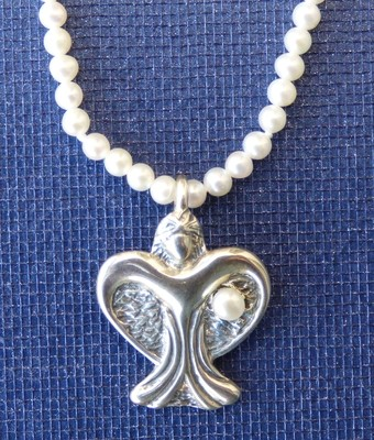Margaret 1999 Gemstone Angel with FREE Pearl Necklace