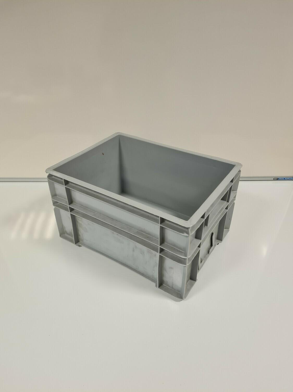 40x30x21 kunststof bak, licht grijs, PP, gesloten, versterkte bodem, gebruikt