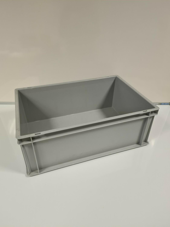 60x40x22 kunststof bak, licht grijs, PP, gesloten, vlakke bodem, zgan