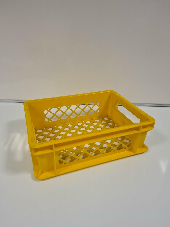 40x30x12 kunststof krat, geel, PP, geperforeerd, gebruikt