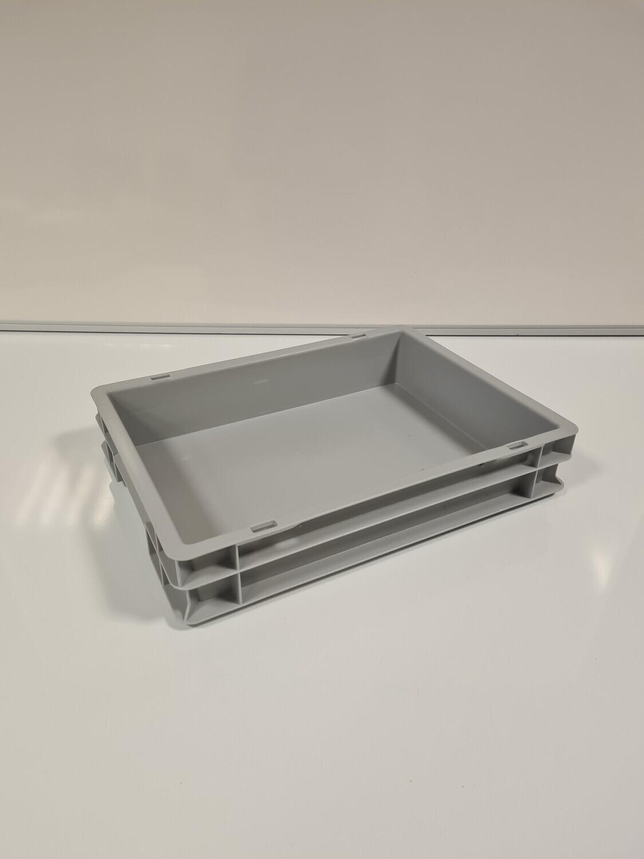 40x30x7 kunststof bak, grijs, PP, gesloten, gebruikt