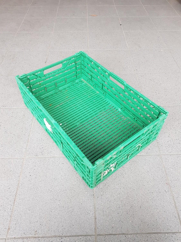 60x40x16 Kunststof klapkrat, groen, PP, geperforeerd, gebruikt