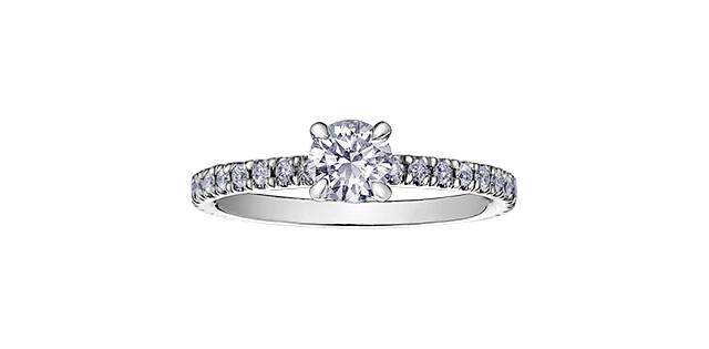 18KPDWG CANADIAN DIAMOND RING