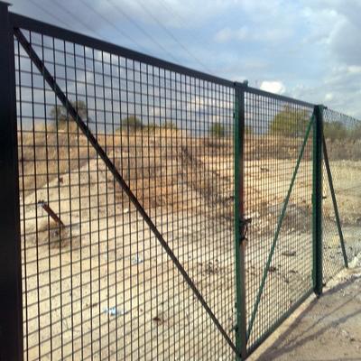 Puerta de 3m por 2 m alto verde !!valla hercules