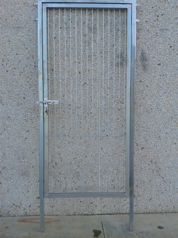 Puerta de 0'80 por 1'50 alto tres tensores y dos riostras con portes toda españa