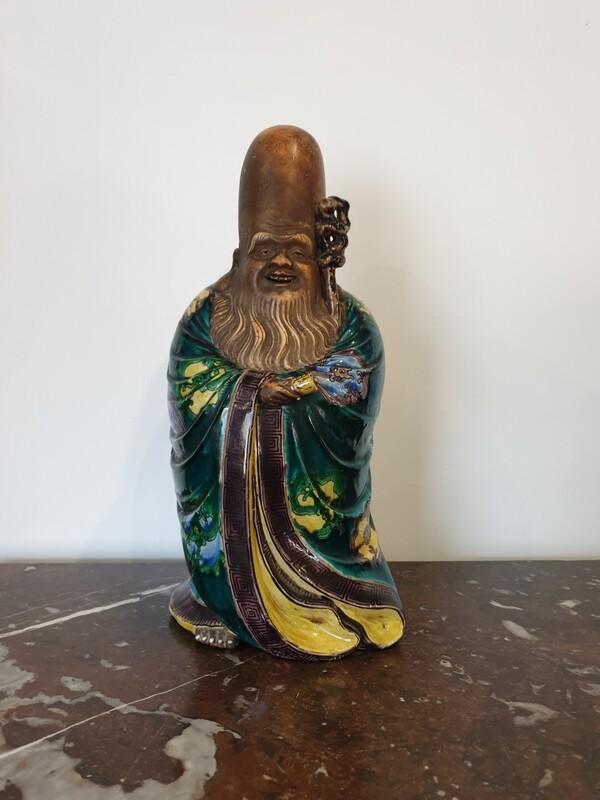 Sculpture sage en céramique