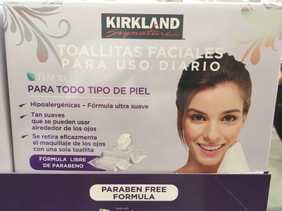 Kirkland Makeup Removing Wipes (150 wipes). *