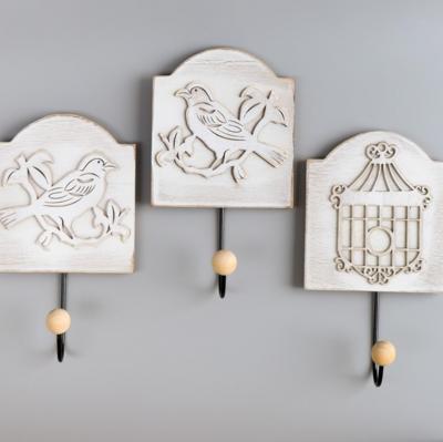 Крючки декоративные дерево