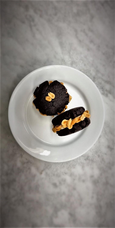 Chocolate Peanutbutter Cookie Sandwich