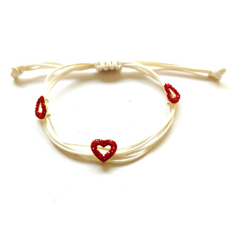 Bracelet avec des coeurs cordon bijou