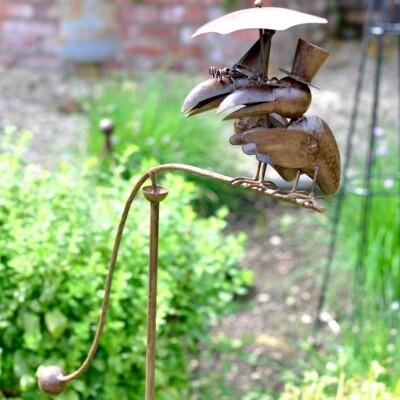 Garden Stake - Balancing Chatting Toucans