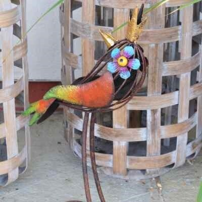Decorative Garden Bird - Larry  Grayson