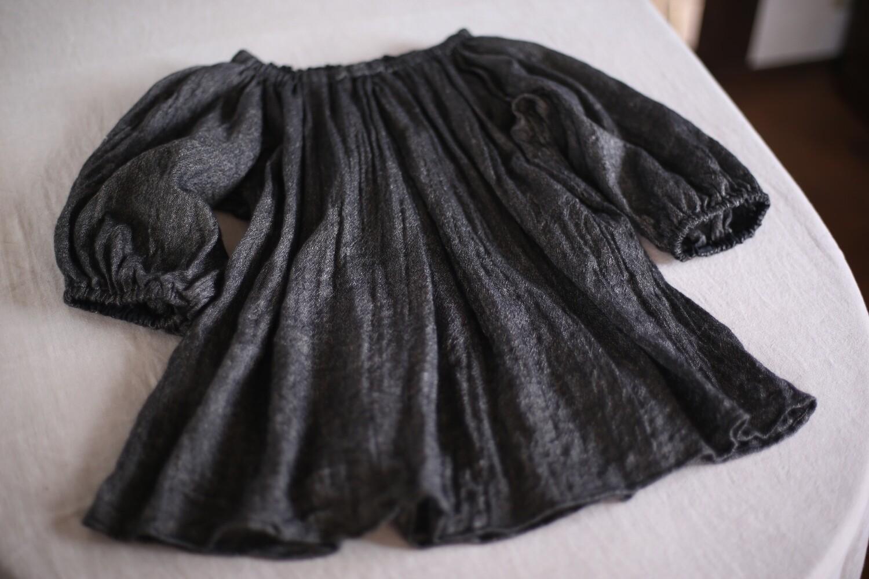 zウールリネン タックブラウス Woollen linen tucked blouse