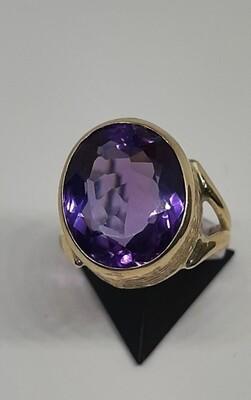 9ct 1970s Amethyst Ring