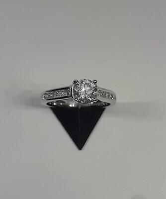 18ct White Gold Diamond Set Single Stone Ring with Diamond set Shoulders