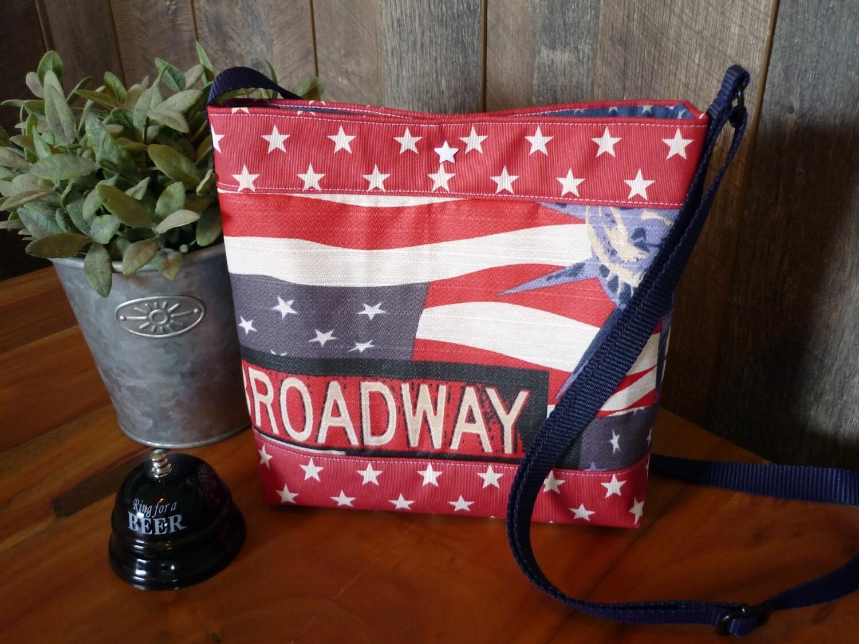 Kleines Täschchen Broadway USA