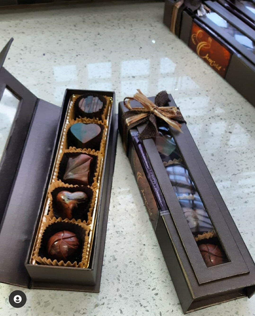 CHOCARLAT®️ Deluxe Gift Box 10Piece Bonbons
