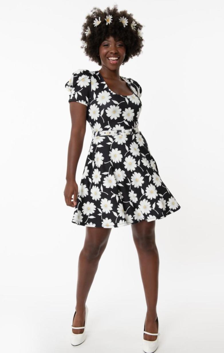 UV Smak Parlour Daisy Group chat flare dress