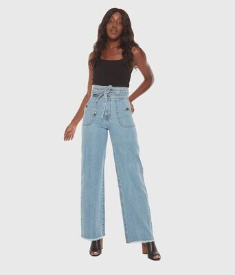 Lola High-Rise Wide leg jeans
