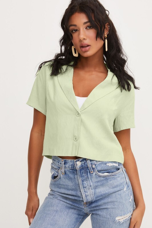 Lush Short sleeve cropped collared top