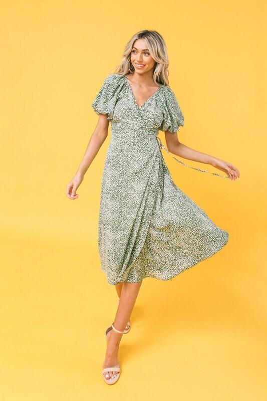 Flying Tomato Midi dress w/puff sleeve