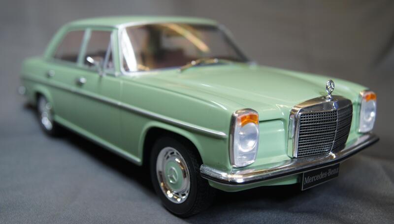 Mercedes Benz (W115)