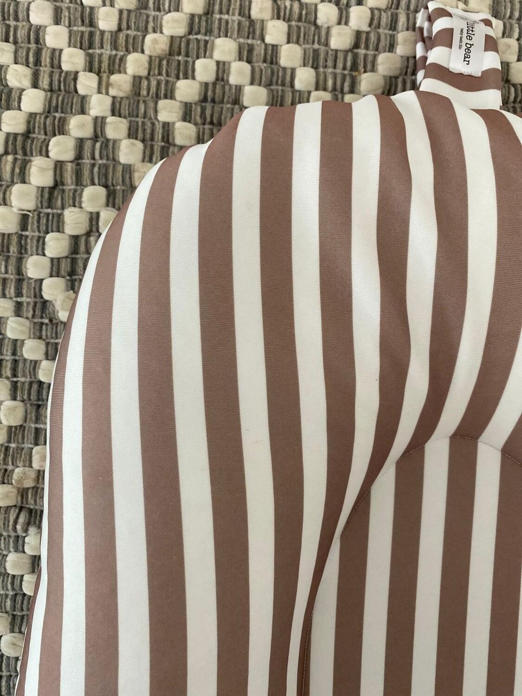 Neutral Stripe baby bath lilo