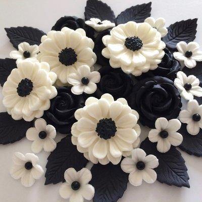 Ivory Black Rose Bouquet