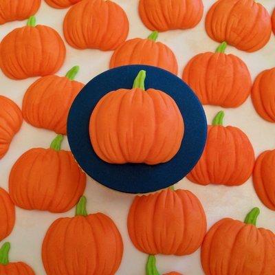 Cake Pumpkins
