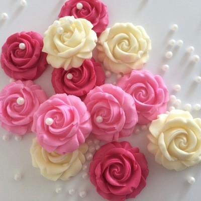 Pinks Cream Roses Pearls
