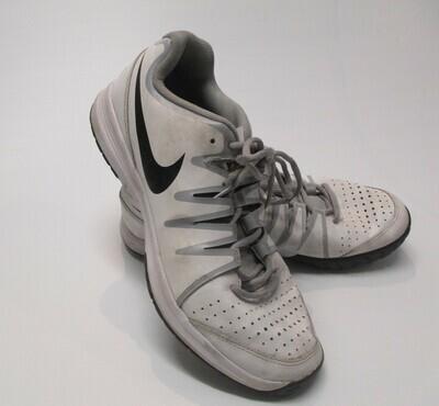 Nike Vapor court US10.5 Basketball Shoes (Near-new) (EC111)