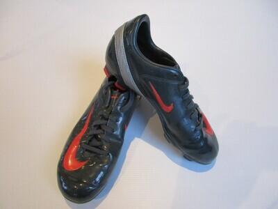 Nike Football Boots US2 (UK 1.5/EUR 33.5) (Near-New) (EC187)