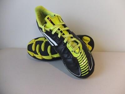 Adidas F5 US4 Football Boots (Near-new) (EC015)
