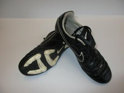 Nike Tiempo Football Boots US6Y (Near-New) (EC228)
