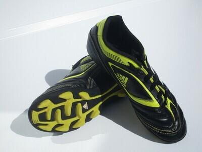 Adidas Football Boots US4 (Near-New) (EC214)