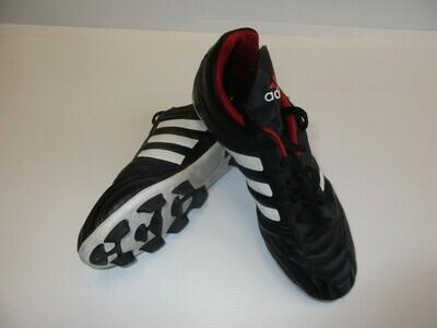 Adidas TRAXION Football Boots US5 (Near-New) (EC234)