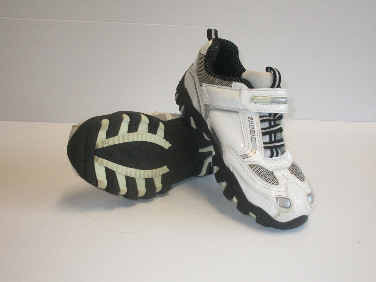 Doghouse Running Shoes US3 (Near-New) (EC263)