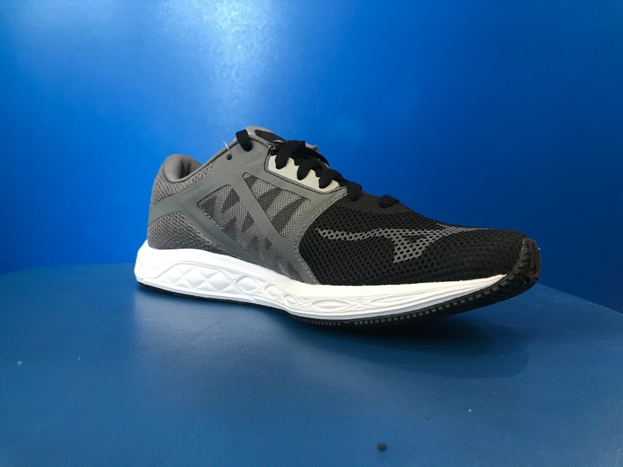 Mizuno Wave Sonic 2 Running Shoes Mens US13 (New) (EC795)