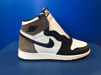 Nike Air Jordan 1 Retro High Dark Mocha Sneakers 575441-105 YOUTH US5.5 WITH BOX (New) (EC1305)