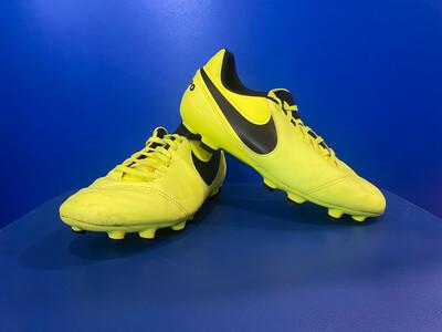 Nike Tiempo legend vi  US 4 (EC653) (Near new)